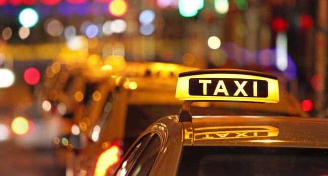 Поездка в аэропорт на такси: почему стоит воспользоваться услугой