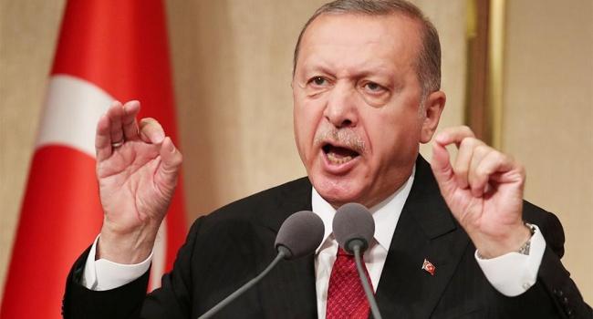 """Эрдоган пообещал Порошенко, что вопрос событий в Керченском проливе будет поднят на саммите """"Двадцатки""""."""