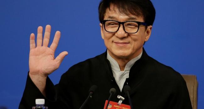 Джеки Чан поделился скандальными подробностями своей биографии