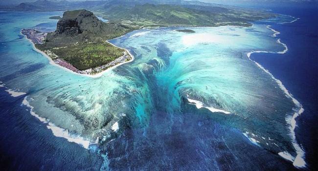 Эксперты: крупнейший водопад в мире находятся под водой