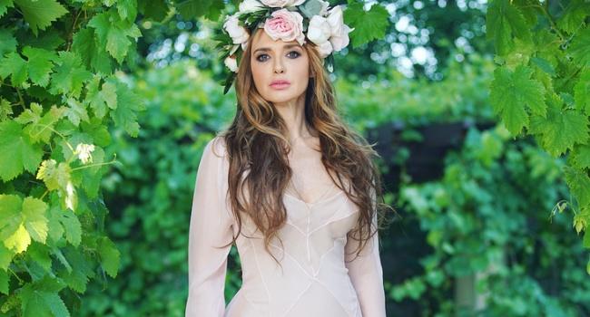 «Каждый год что-то новое»: Оксана Марченко показала, как творчески подходит к украшению елки