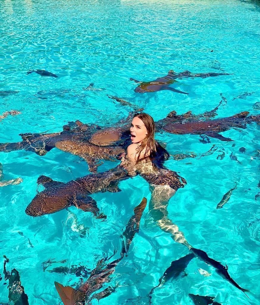 Российскую эстрадную певицу укусила акула наБагамах
