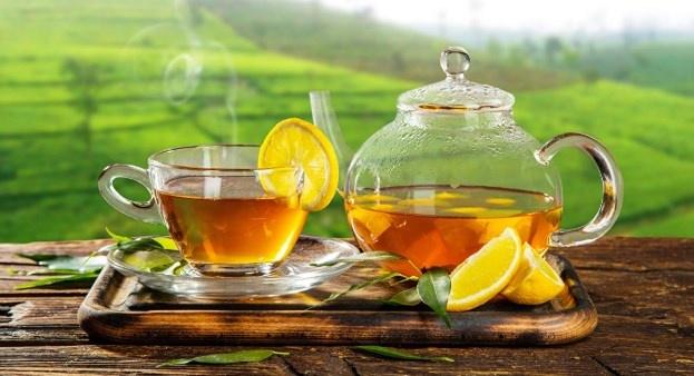 Диетолог рассказала, какой самый полезный напиток и сколько чая можно пить