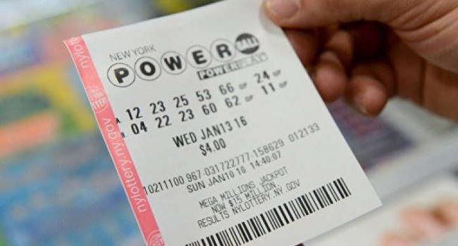 Американка сходила в церковь, а потом выиграла в лотерею 200 тыс. долларов