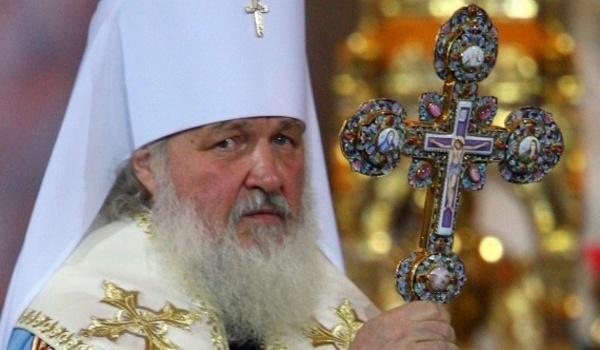 «Пусть готовят дырочку»: РПЦ закатила скандал из-за поступка украинских таможенников с Кириллом