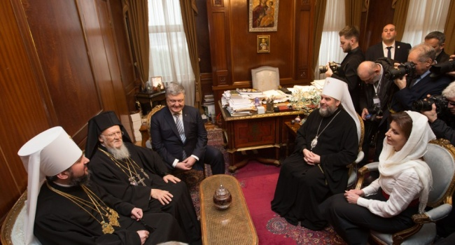 Нусс: без участия Порошенко не было бы не только согласия Константинополя, но и мира между украинскими православными
