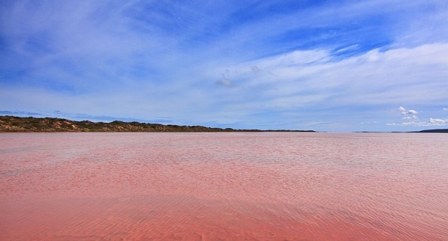 Ученые рассказали о самом уникальном озере Австралии