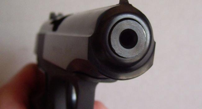 Смертельное селфи: 13-летняя россиянка выстрелила в себя из пистолета