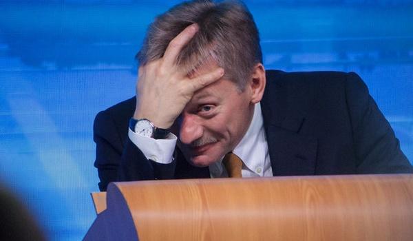 Песков разъяснил, почему у Владимира Путина нет телефона