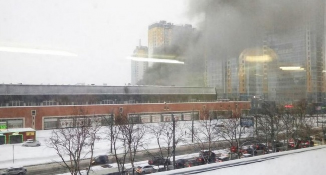 В России произошло очередное ЧП: горит здание типографии, есть погибшие