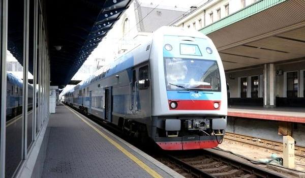 Такие вагоны отправляли в гетто: «Укрзализныця» угодила в новый скандал с поездом, курсирующим с Словакию