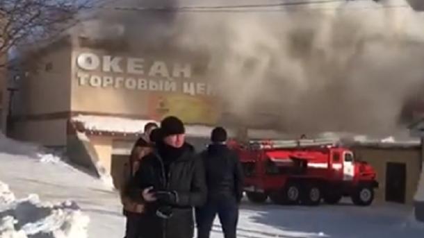 «Зимняя Вишня» — 2. В России снова горит торговый центр