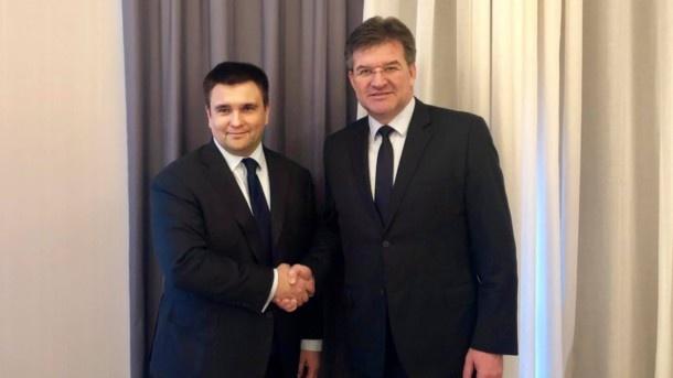 Лайчак прокомментировал недопуск в Украину российских наблюдателей