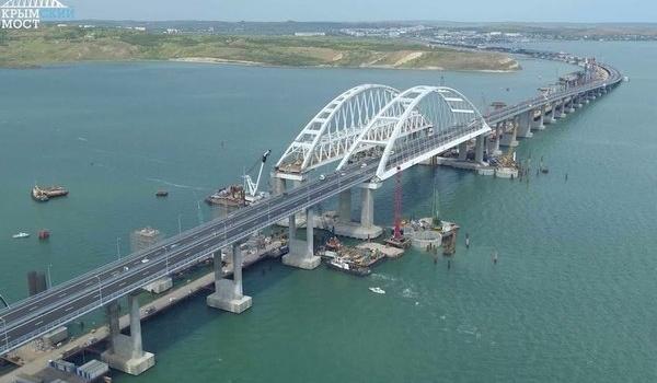 «Этому мосту крышка»: путинской «стройке века» предрекли полное разрушение