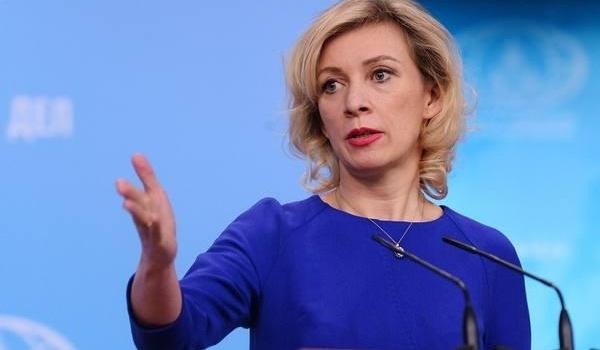 Захарова пожаловалась на «осатаневшего» Порошенко
