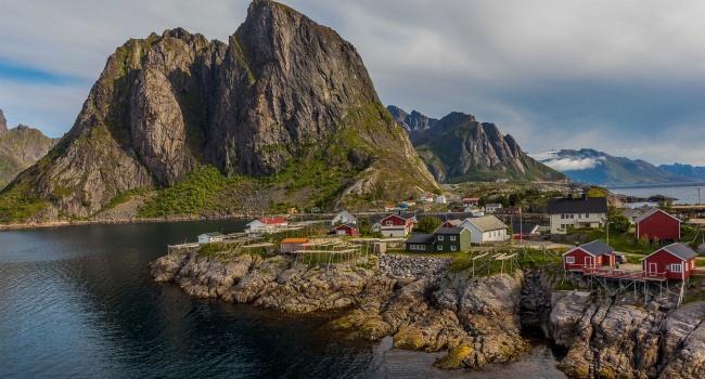 В Норвегии строят плавающий туннель