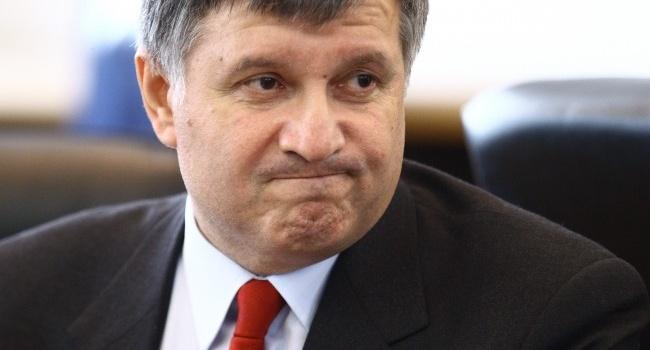 Аваков знает, кто из кандидатов в президенты платит деньги своим агитаторам