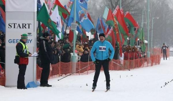 «Дадим вам винтовки, пулеметы и гранатомет»: Лукашенко жестко раскритиковал позорное выступление белорусских биатлонисток