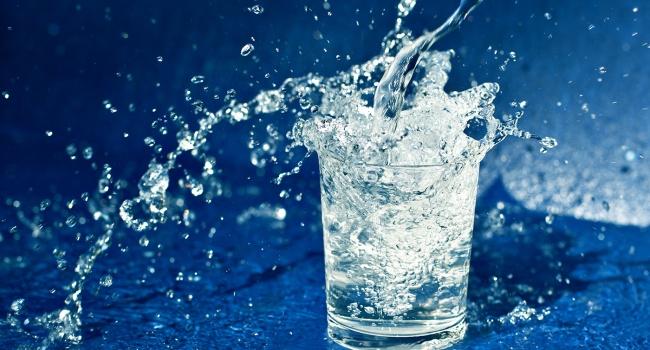 Доктор: с помощью чистой воды можно легко сбросить вес