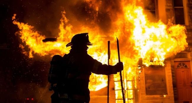В Виннице при пожаре в жилом доме погибли два человека