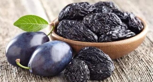 Употребление чернослива служит методом профилактики рака