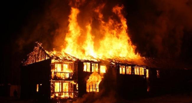 Трое детей погибли при пожаре на Черниговщине