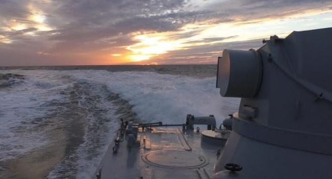 Украинские военные провели масштабные учения в водах Азовского моря