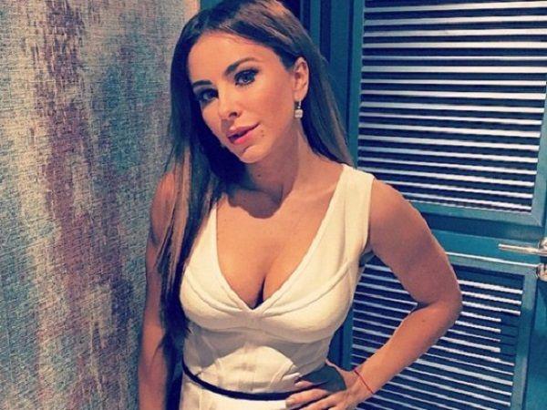 «Невероятной красоты совершенство!»: поклонники Ани Лорак восхитились ее фото в оригинальном наряде
