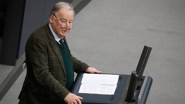 В Германии завели дело на лидера партии «друзей Путина»