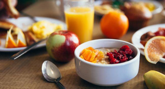 «Нам твердят об этом 50 лет»: профессор рассказал о «пользе» завтраков