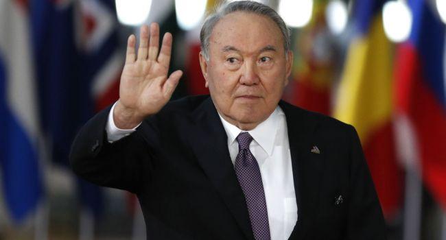 Нурсултан Назарбаев уходит в отставку с должности президента Казахстана