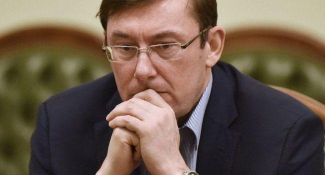 Дипломат: после интервью Луценко сам собой напрашивается вопрос – на кого работает Генпрокурор Украины?