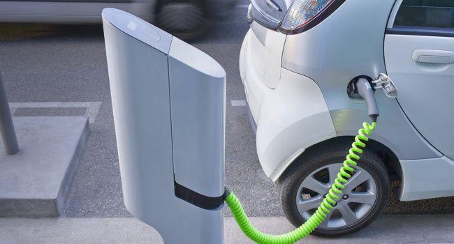 Власти Канады выделяют деньги на покупку электрокаров