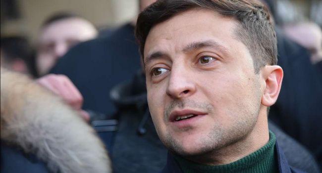 Зеленский продолжает возглавлять тройку лидеров президентского рейтинга