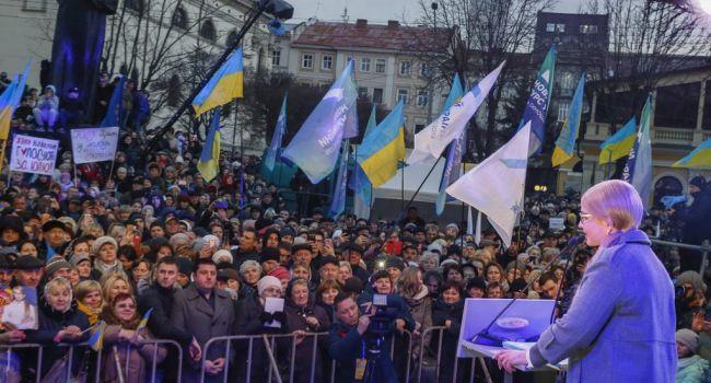Ставки на вранье повышаются: Тимошенко в начале года обещала повысить пенсии в 2 раза, теперь же обещает повышение в 3 раза