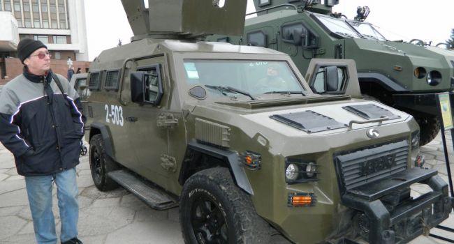 Стало известно, какая военная техника поедет в зону ООС – фото