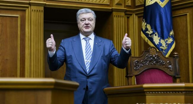 Карпенко: этот бой выигран, потому что президент, несмотря на полив его помоями, имеет все шансы на переизбрание