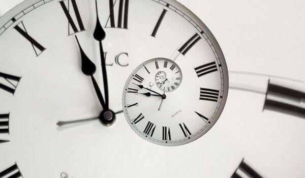 В ЕС отказались переводить часы на летнее и зимнее время: подробности