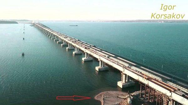 «Скоро уничтожат судоходство»: в сети на фото показали серьезную проблему с Крымским мостом