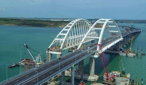 «Там сколько мощи, что мост просто снесет»: в РАН предрекли «смерть» Керченского моста