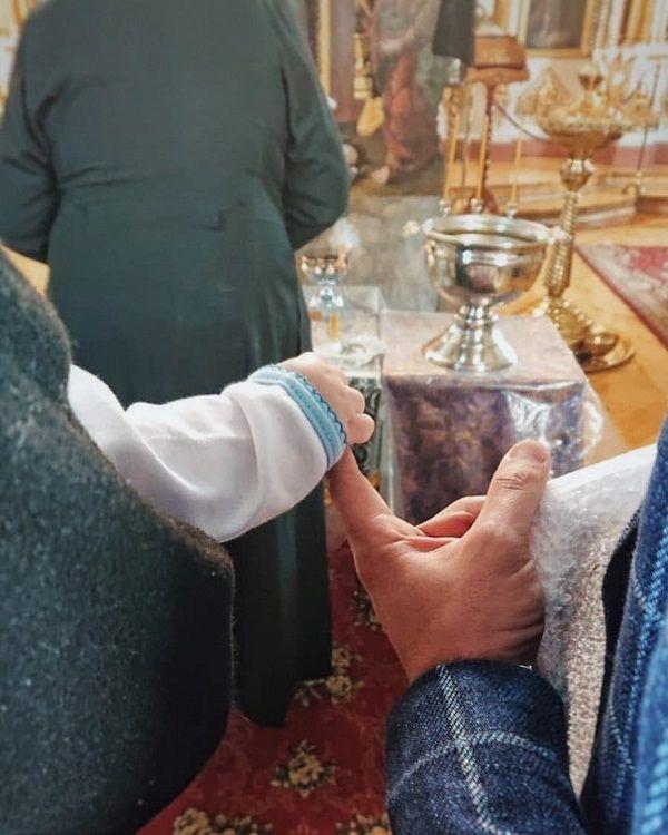 В сети появились фото крестин сына Светланы Тарабаровой