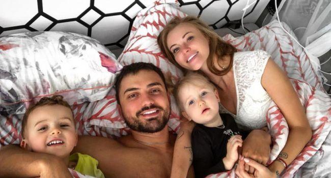 «Она у вас очень смешная и видно, что с характером»: Слава Каминская взорвала сеть милым фото дочери