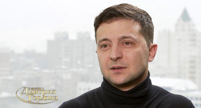 Политолог допустил, что у Зеленского получится взять власть в свои руки, но удержать ее он не сможет