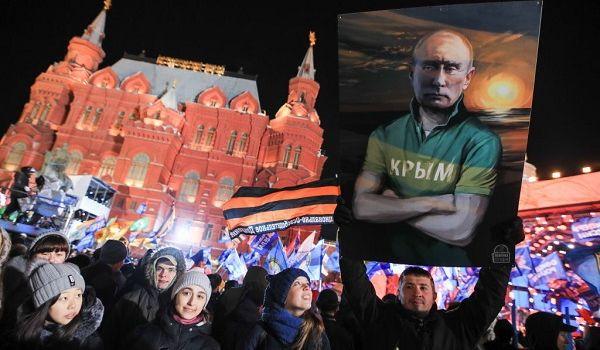 «Сняты розовые очки»: Казарин указал на разочарование крымчан Россией