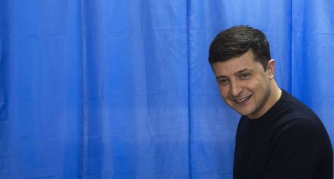 Зеленскому еще не сказали свыше стоящие олигархи, кого он будет предлагать на министров, – журналист