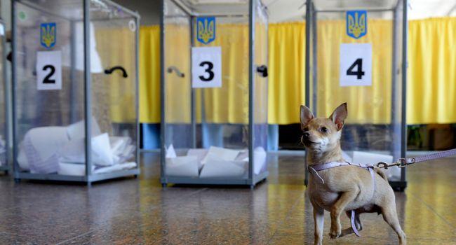 «Не ждите последнего дня!» Аналитик призвал украинцев не медлить со сменой места голосования