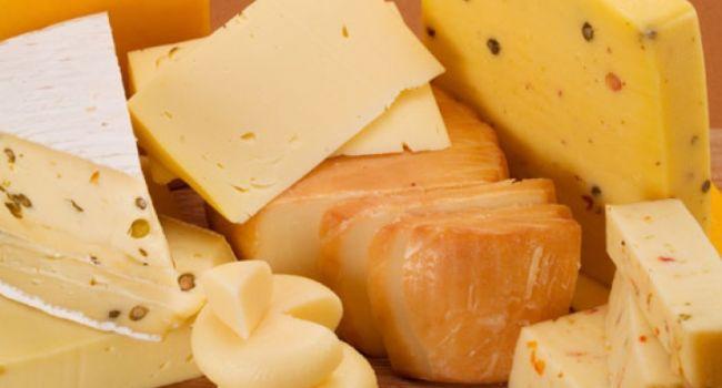 В украинских магазинах покупателям пытаются подсунуть просроченный сыр - СМИ