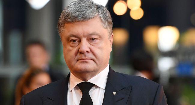 Политолог: «Чиновники начнут сливать Порошенко»
