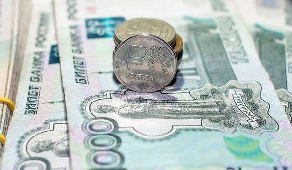 «Оказались на грани нищеты»: в РФ бьют тревогу из-за отсутствия денег