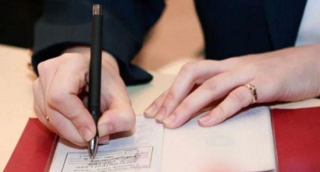 Треть украинцев не живут по месту регистрации из-за страха перед мобилизацией